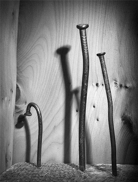 Забивать гвозди микроскопом